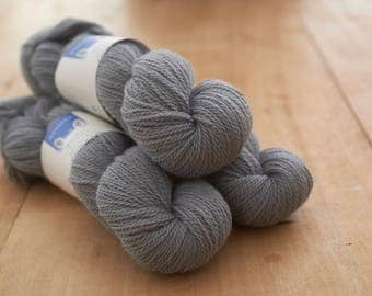 Light grey, (Wainstones) Doulton Border Leicester worsted spun yarn  in DK.