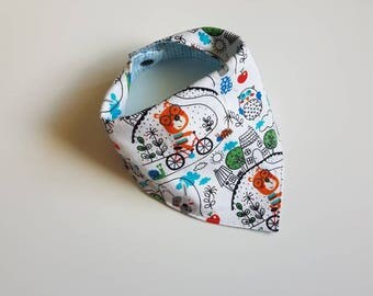 Dogs on bikes, Dog Baby Bib, Puppies, Puppy Baby Bib, bicycle baby bib, Cyclist baby bib, baby shower gift, baby Bandana bib, blue baby bibs