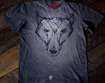 Unique hand painted wolf t-shirt size S