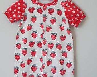 Strawberries shorty Romper, girls romper, toddler, handmade, romper, newborn, fruit print, summer romper, short romper, fruit romper