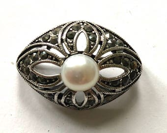 Judith Jack sterling silver marcasite faux pearl brooch pin