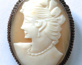 large vintage 10K pin brooch cameo