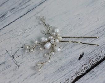 Bridal hair pins pins freshwater pearls, pearl and crystal hair pins, gold hair pin, wedding hair pin, wedding hairpin