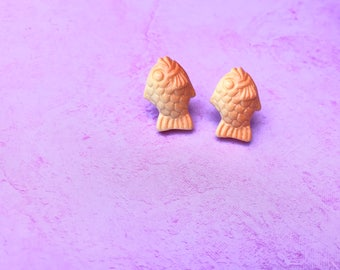 Taiyaki fish earrings, gold fish earrings, food jewelry, miniature food jewelry/ fake food jewelry/ kawaii miniature fake food