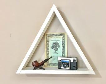 Reclaimed triangle shelf white - Geometric shelving - Pyramid wall shelf - Modern decor