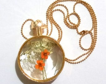 1 elegant romantic vintage with dried flowers necklace, orange Green gold