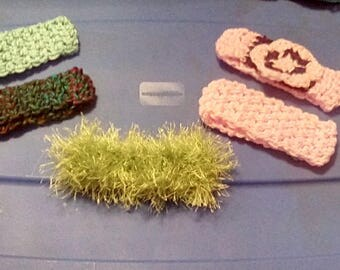 Newborn crochet head bands. 5 count