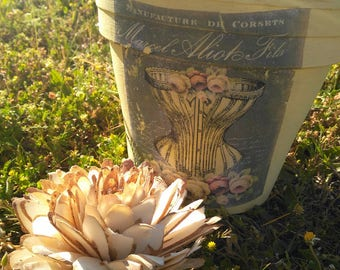vintage Terra cotta flower pot