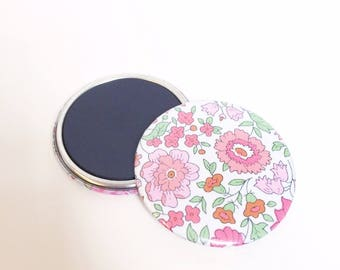 "56mm soft Liberty ""with pink Anjo"" magnet"