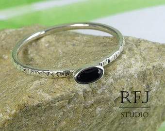 Oval Synthetic Onyx Silver Textured Ring, Oval Cut Black Onyx Ring, Oval Black Gemstone Onyx Ring, Stackable Tiny Sterling Black Stone Ring