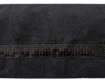 Door checkbook black and black sequined band