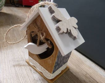 Birdhouse wood & lace