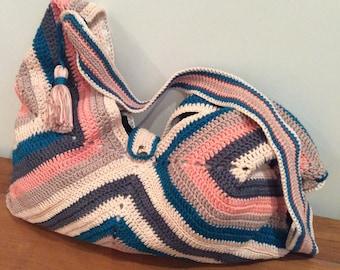Grannies crochet square shoulder bag