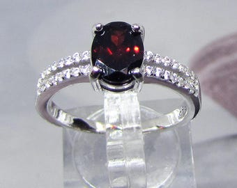 Faceted natural Garnet and silver size 58 ring