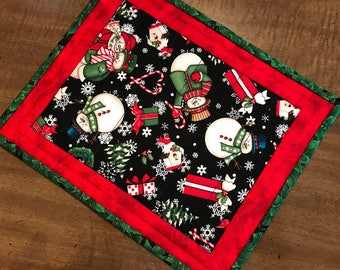 Quilted mug rug, Christmas snack mat, snowmen mug mat, candle mat,