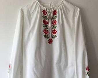 Vintage cotton blouse with flower embroidery