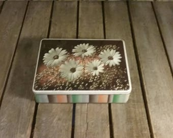 Vintage Tin Can, Flower Tin Can,