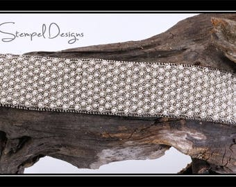 Bead Embroidery Cuff made with silver daisy spacers and pearls