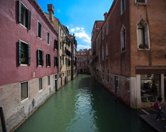 Photo of the canals of Venice, Italy