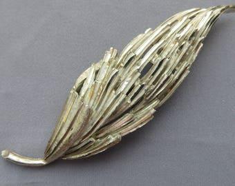 Vintage 'BSK' large textural silver metal wheat-sheaf leaf brooch signed 'BSK' - 4 inches