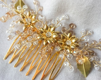 Bridal hair comb, Bridal crystal headpiece, wedding hair piece, flower hair comb, wedding hair comb, hair accessory, gold hair comb