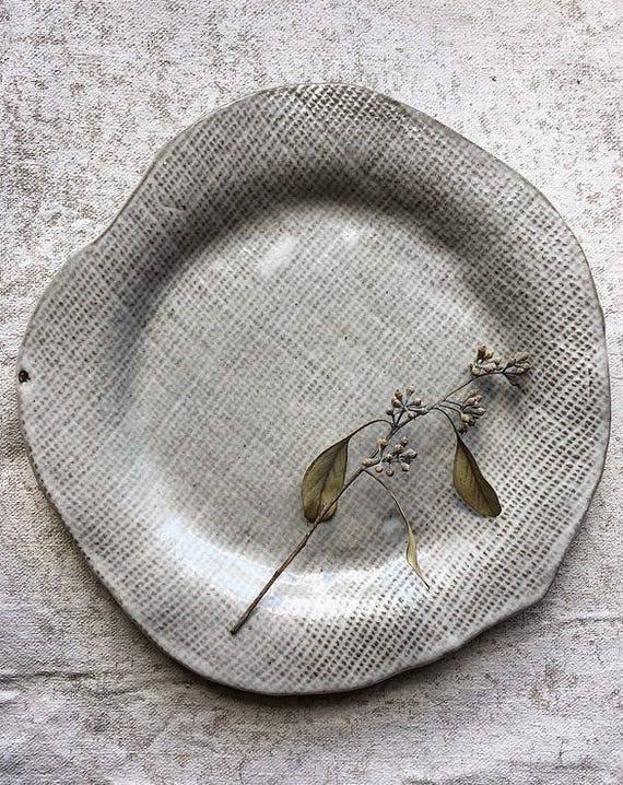 White Linen Plate1