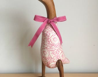 Pink Wallpaper duck with pink ribbon