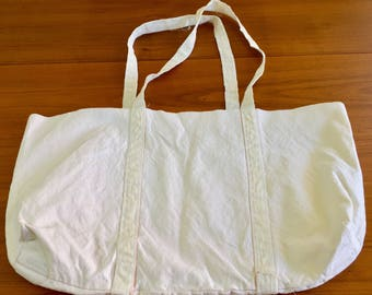 Mid century white open bag from Sweden, perfect for grocery shopping