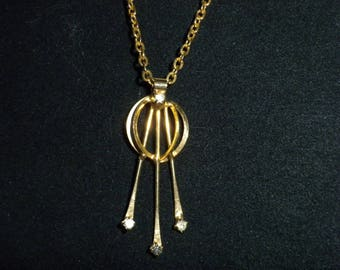 Vintage Necklace Gold Circle with three stones