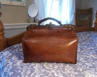 Excelente bolso Vintage cuero Gladstone, grueso cuero tal calidad, interior de gamuza, hermoso muy robustos, caso punk, robusta asa de vapor.