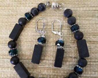 Blackstone and green crystal bracelet