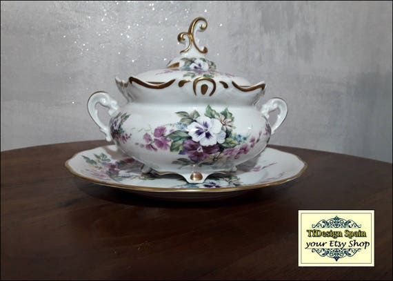 Tureen soup set, Soup tureen dinnerware, Soup tureen white and violet, Classic tureen soup bases, Soup tureen centrepiece, Soup tureen decor