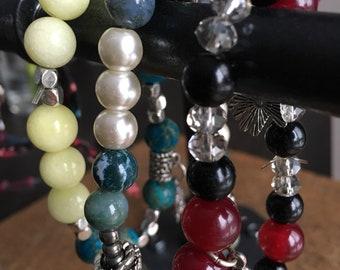 Nouveaux bracelets à breloque en pierres semi-precieuses