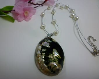 Abalone sea shell necklace.