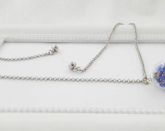 Forget-me-not necklace magnetic clasp