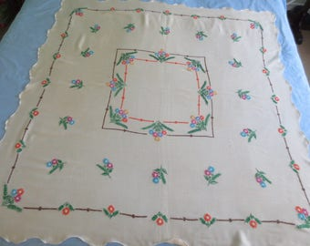 Vintage Hand-Stitched Linen Floral Embroidery Tablecloth