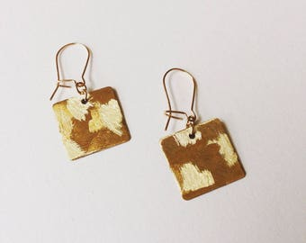 Earrings square textured gold-plated