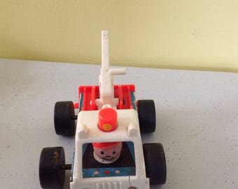 Vintage Fisher Price Little People 718 Tow Truck