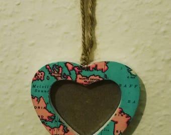 I 'heart' travel photo frame