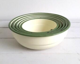 Vintage enamelware bowl set (5pcs)