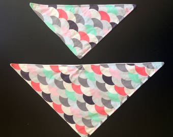 Shell print dog bandana with poppers