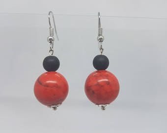 Unique earrings - red and black