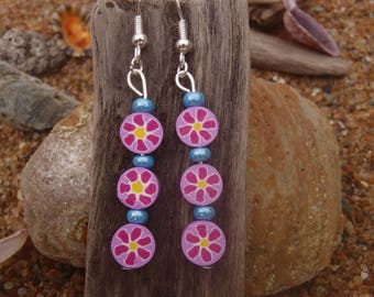 pair of earrings polymer clay pink, yellow and blue flower pattern