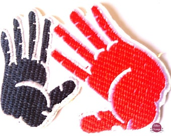 Embroidered back fusible hands 7.5 x 7.5 cm