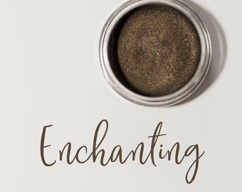 Organic Mineral Eye Shadow in Enchanting