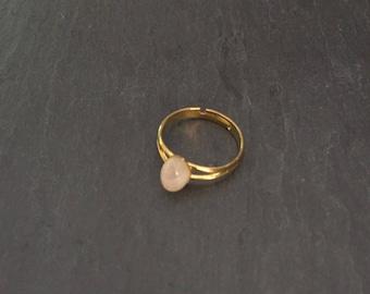 Adjustable ring with Rainbow Moonstone gemstone.