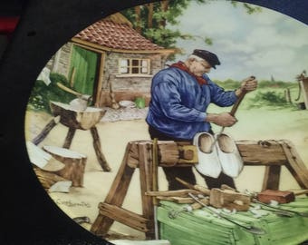 Royal Schwabap Ter Steege BV Holland 1984 Hand Decorated Hanging Ceramic  Collector Plate