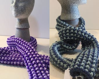 2-toned bee knit scarf