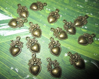 10 Breloques Coeur et sa fleur en métal bronze 19x11 mm  Couleur bronze