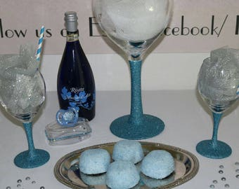 Glittered stem wine glasses